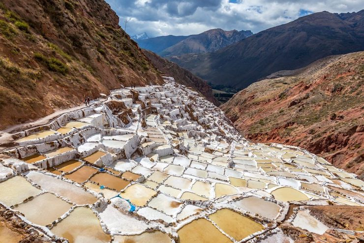 peru-salt-harvest-at-salinas-de-maras-1024×683